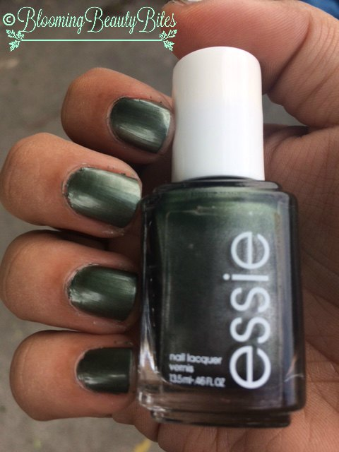 Essie Metallic Green (Crocadilly) Nails | Blooming Beauty Bites